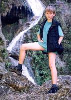 Водопад Кизи-коба. В нем обычно отстирывают красную глину пещер после подземного кувыркания