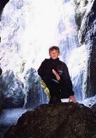 Еще один водопад и еще один Рома (для масштаба)